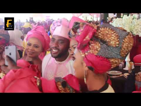 SEE HOW IBRAHIM CHATTA DANCE WITH HIS NEW LOVELY WIFE @ HIS MOVIES PREMIERE IN LAGOS