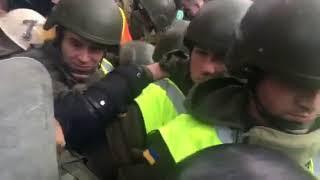 На митинге под Верховной Радой новое обострение   Страна.ua