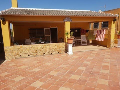 €85000 4 bedroom villa with pool for sale in Benicolet, Valencia