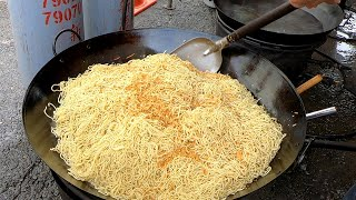 Giant Fried noodles - Taiwanese Street Food