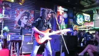 Lam Morrison, 11 Min. Hottuna Bar. Pattaya