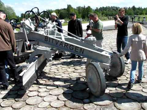 Motor grader «Bitvargen» in Estonian roa