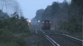 preview picture of video 'VIA train 66 at CN Garry'