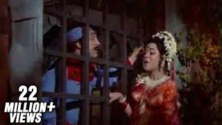 Mera Naam Hai Chameli - Kum Kum - Raja Aur Runk - YouTube