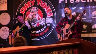 """UTG TV: Bayside - """"Time Has Come"""" (Acoustic at Looney Tunes)"""