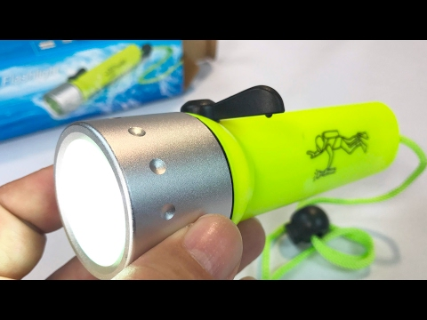 Waterproof Diving Dive CREE XPE LED Flashlight by Drhob review and giveaway