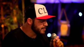 """Gerardo Ortiz y Kevin Ortiz cantan """"A Cada Rato"""" en Fenomeno Sessions"""