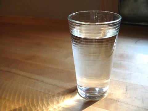 El Secreto del Vaso de Agua debajo de la Cama