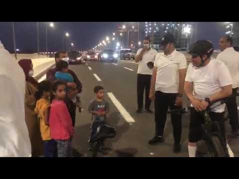 بالفيديو .. ماهو الحوار الذي دار بين السيسي مع ربّ عائلة مصرية قابله بالصدفة ؟