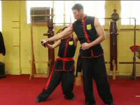 Advanced Wing Tsun Techniques : Wing Tsun Knife Defense