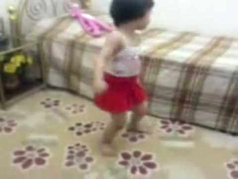 Little Girl Amazing Dance
