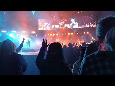 Chris Tomlin Holy Roar Tour 2019 Good Father - Wsucougarx