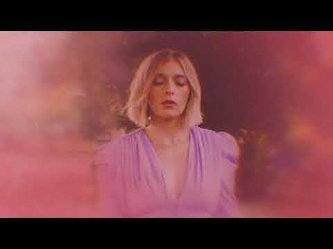 VÉRITÉ - think of me (Official Lyric Video)