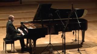 Wolfgang Amadeusz MOZART, Sonata C-dur, K. 330 (Alexander Gavrylyuk)