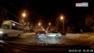 Авария в Керчи: Лихач на скользкой дороге