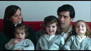 Gijón-Montevideo: cinco sonrisas contra el paro