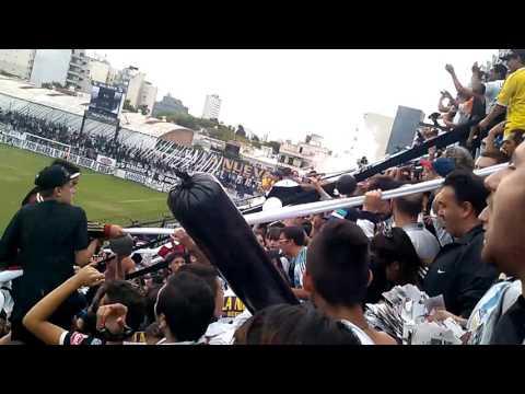 """Recibimiento all boys chicago"" Barra: La Peste Blanca • Club: All Boys"