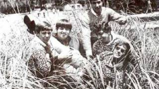 The Grodes - Cry A Little Longer