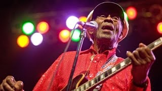 Legendary Musician <b>Chuck Berry</b> Dies At 90