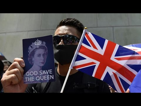 Hongkongers rally outside UK consulate