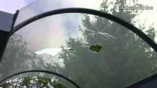 Tennisball-großer Hagel - Fensterscheiben zerstört, Schäden an Autos und Dächern
