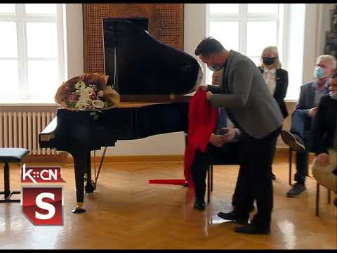 Rotary klub donirao klavir