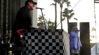 Cheap Trick -- When The Lights Are Out
