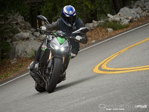 2014 Kawasaki Z1000 - 4cyl Streetfighter Shootout Part 1 - MotoUSA