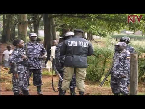 Bobi Wine akyadde e Kayunga, poliisi ekubye abawagizi bbe Teargas