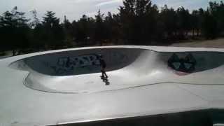 preview picture of video 'Skatepark Ventabren - enfant 9 ans'
