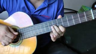 Смотреть онлайн Легкая песня на гитаре для начинающих