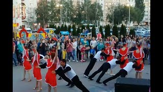 Сальса шоу-номер от школы танцев Dance Life на Русиче 02.06.18. Кубинская Сальса, Руэда.