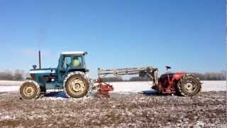 preview picture of video 'Ford TW20 with MF30 drill'