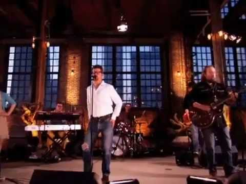 """Skydiggers – """"Northern Shore"""" (live)"""