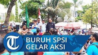 Menuntut Janji-janji Wakil Rakyat Massa Buruh Gelar Aksi Sambangi Kantor DPRD Provinsi Kalsel