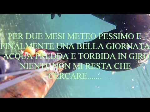 Pesca di video un mangiatore su una corrente