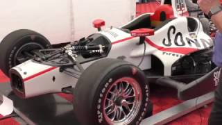 Basic differences between a 2017 IndyCar and an F1 car (with good audio)