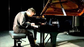 preview picture of video 'Cremona Pianoforte 2013 - Andrea Bacchetti'