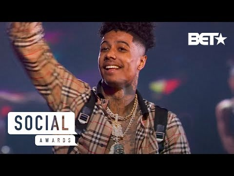 Blueface Performs Thotiana In His First Ever TV Performance! | Social Awards 2019