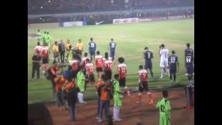 Madura United Vs Arema Masuk Lapangan 6 Mei 2016