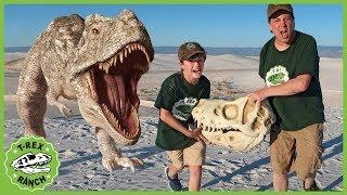 Giant T-Rex Dinosaur vs Park Rangers! Pretend Play Escape Adventure with Dinosaurs Toys for Kids