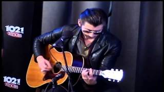 Arctic Monkeys - No. 1 Party Anthem (acoustic at The Edge Music Lounge 2014)