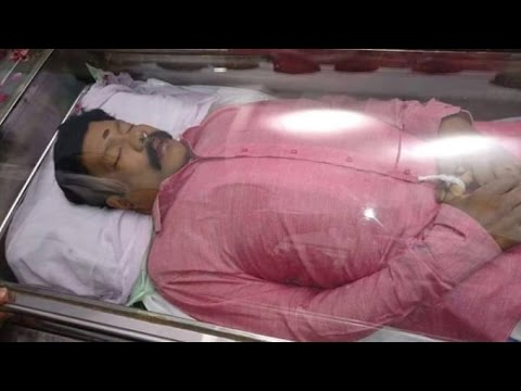 The-suspicious-death-of-Kalabhavan-Mani-Funeral-video-09-03-2016