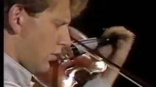 Paganini: Caprice No. 4 (Shlomo Mintz)
