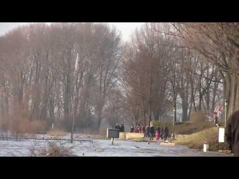 Rheinhochwasser  in Wesel - Als die Flutwelle kam