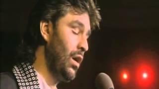 Andrea Bocelli  Voglio Restare Cosi  Live on stage