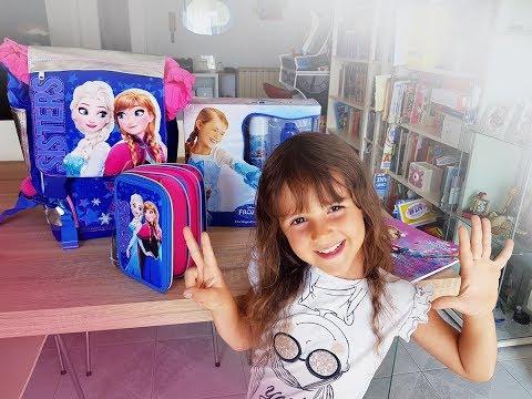 ❄️ Alyssa ha ricevuto lo zaino scuola di Frozen! ❄️