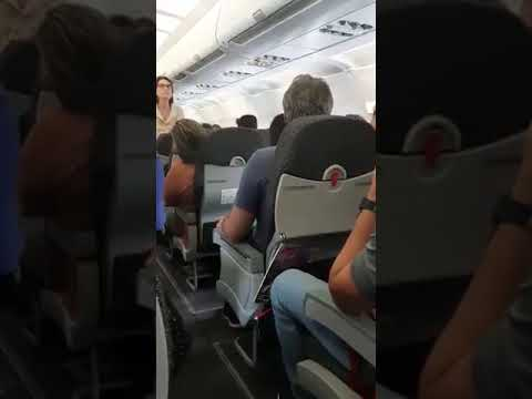 Petista Lindbergh Farias é hostilizado em voo