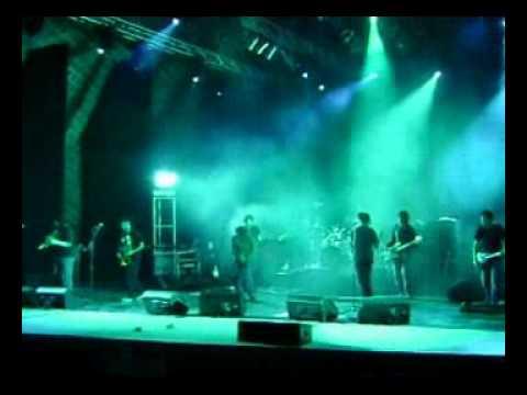 LA VELA PUERCA- Escobas (en vivo).wmv