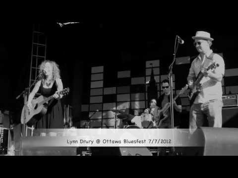 "Lynn Drury performs her original song ""Northern"" at Ottawa Bluesfest"